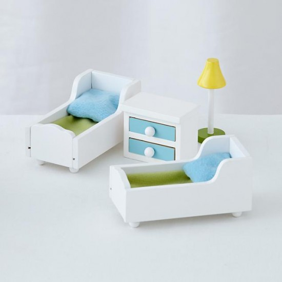 cottage-dollhouse-and-doll-furniture (3)