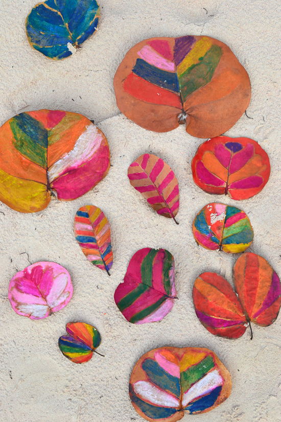 make: painted leaves ~ simple vacation art project with kids | @smallforbig
