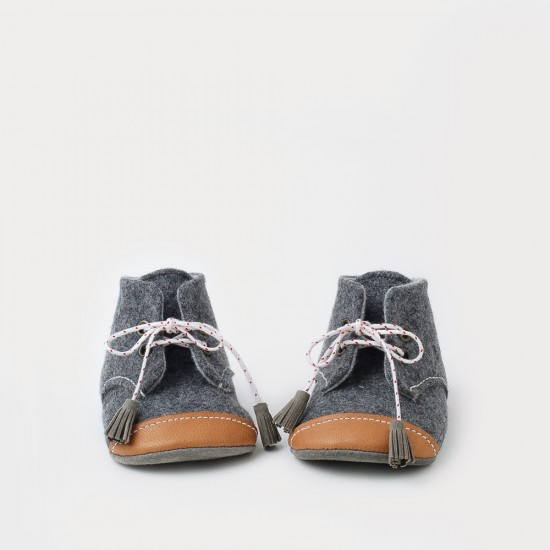 oxfor_booties_grey_wool_brown_toes_white_laces_a