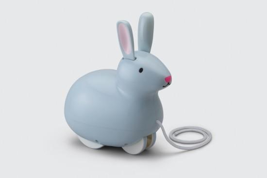 Pull__Hop_Bunny_Grey_Bkgd_Hi_Res2-710-443x458x4698x3137
