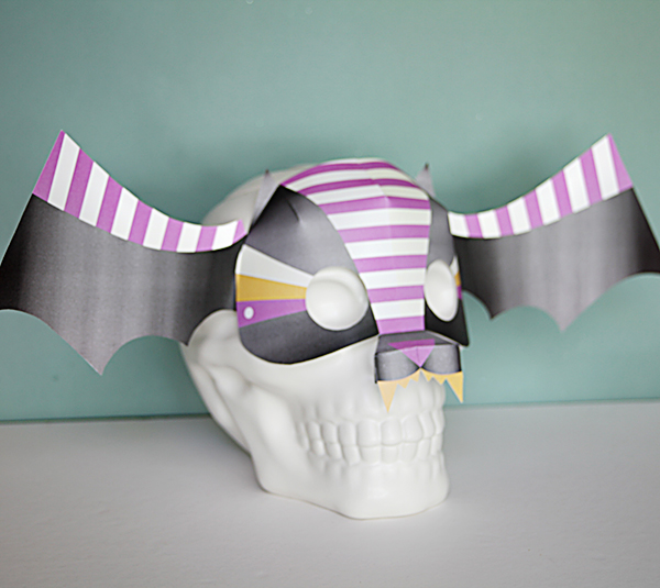 diy bat mask - las tminute halloween printables - cricut hallloween crafts