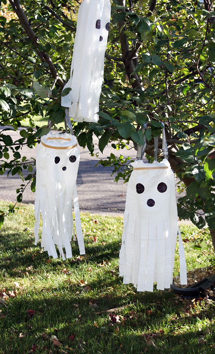 DIY Windsock Ghosts - Plastic Bag Ghost Craft - DIY Halloween Decorations | Small for Big