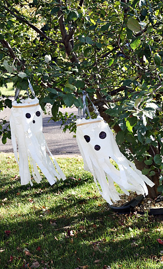diy windsock plastic bag ghosts craft for halloween