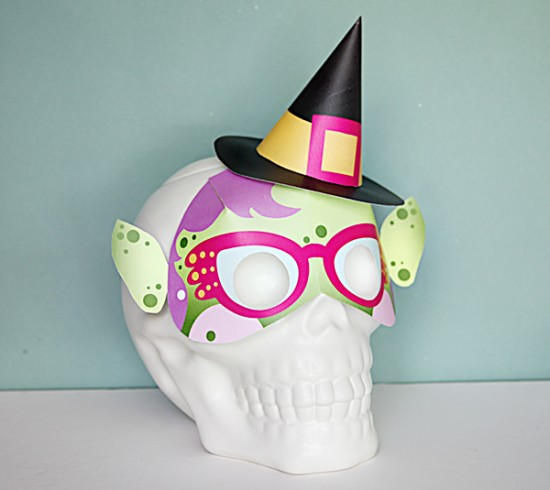 diy witch mask - halloween printable paper crafts - last minute halloween projects