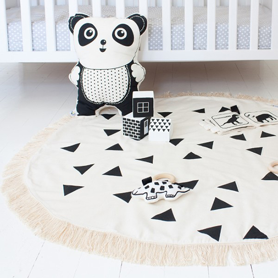 babee and me black and white playmat for babies and kids