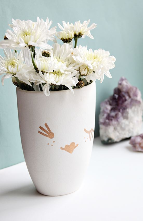 DIY Mother's Day Gift - Upcycled Craft Projects - DIY Vase for Moms | Small for Big
