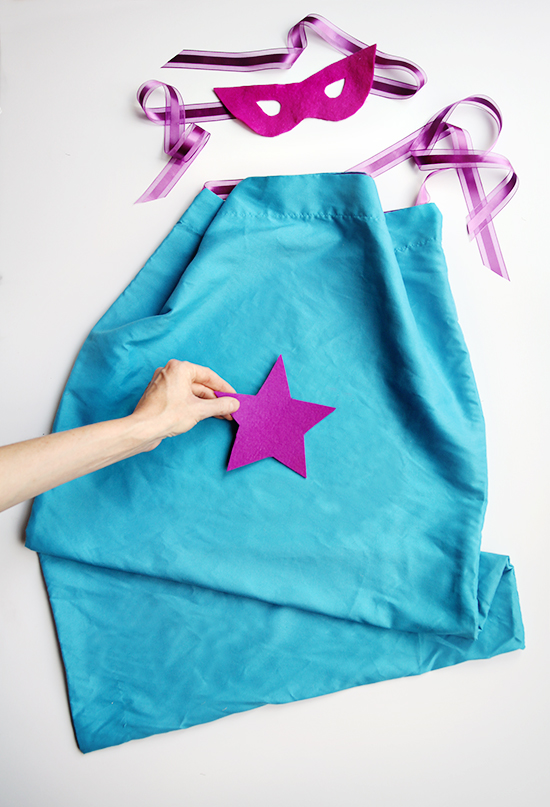 diy pillowcase costumes - halloween crafts - kids costumes - pillowcase cape how-to