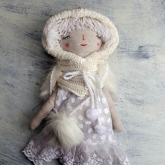 The Dolls Unique - Handmade Dolls with yarn hair - Vintage details | Small for Big